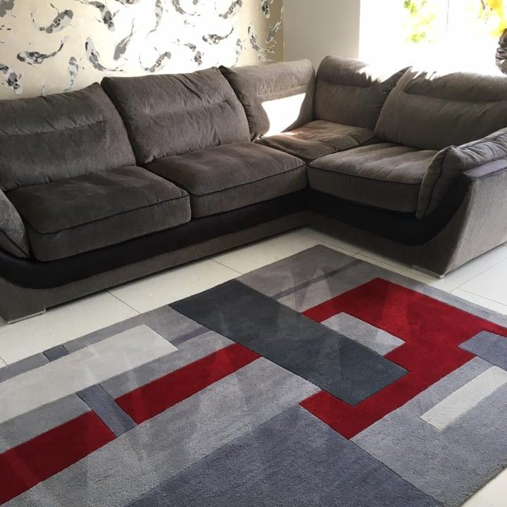 Super-clean-sofa-and-rug-we-also-love-th.xxoh56468fe9a0bbd6c3db643f085e70465boe5D03F279.jpeg